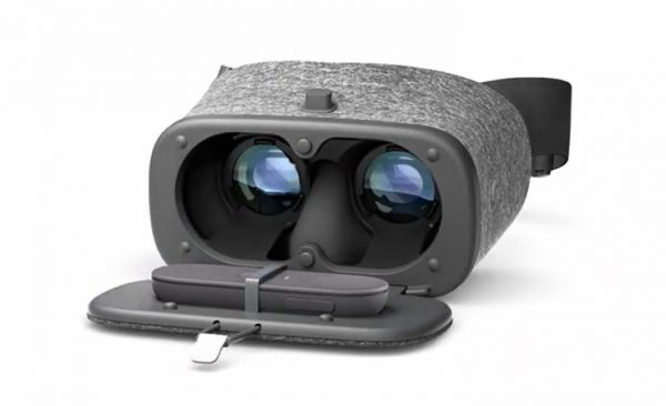 Google worked with clothing designers to create the Daydream View.