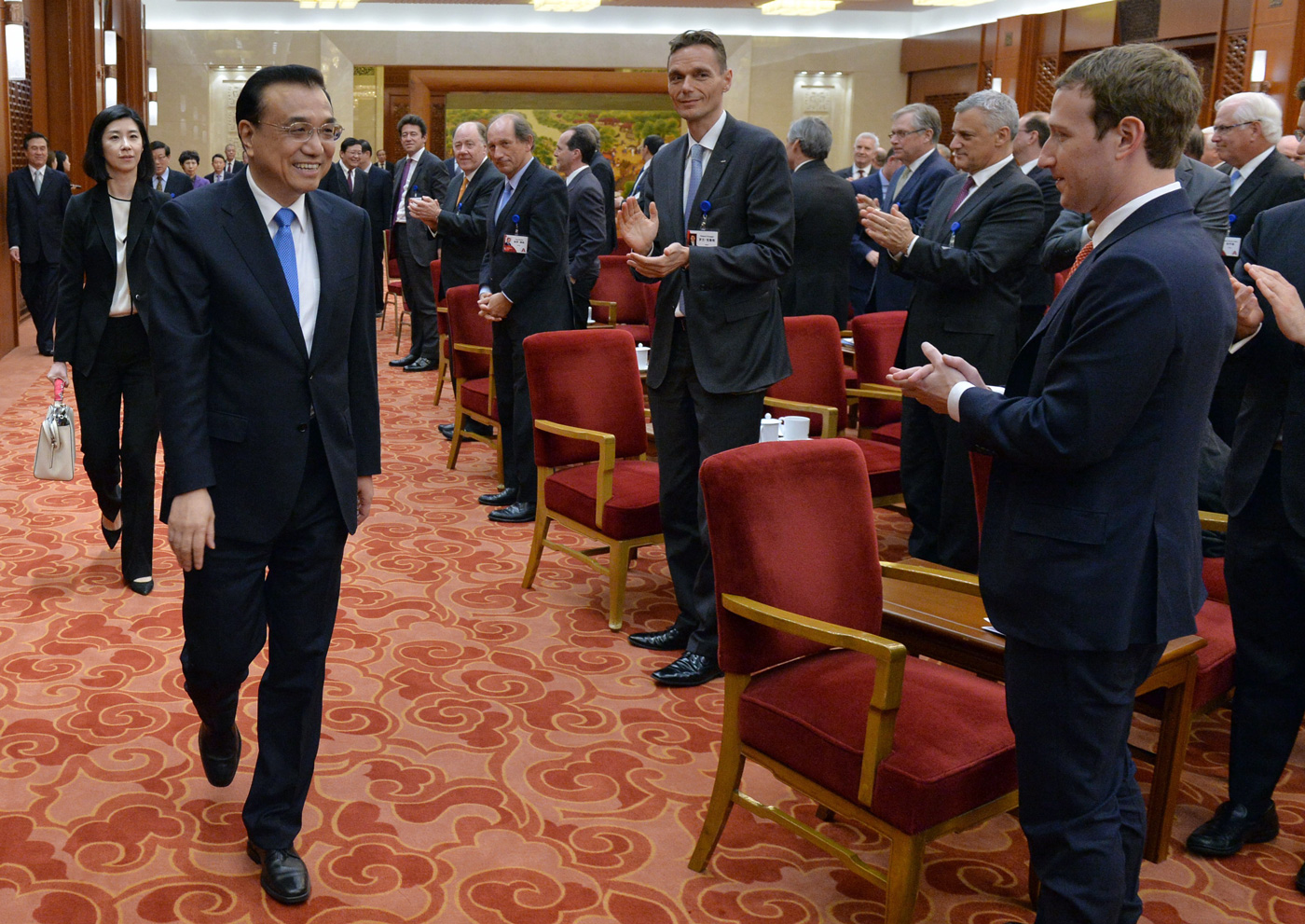 Mark Zuckerberg, right, gave Chinese Premier Li Keqiang a warm welcome at the China Development Forum earlier this year.