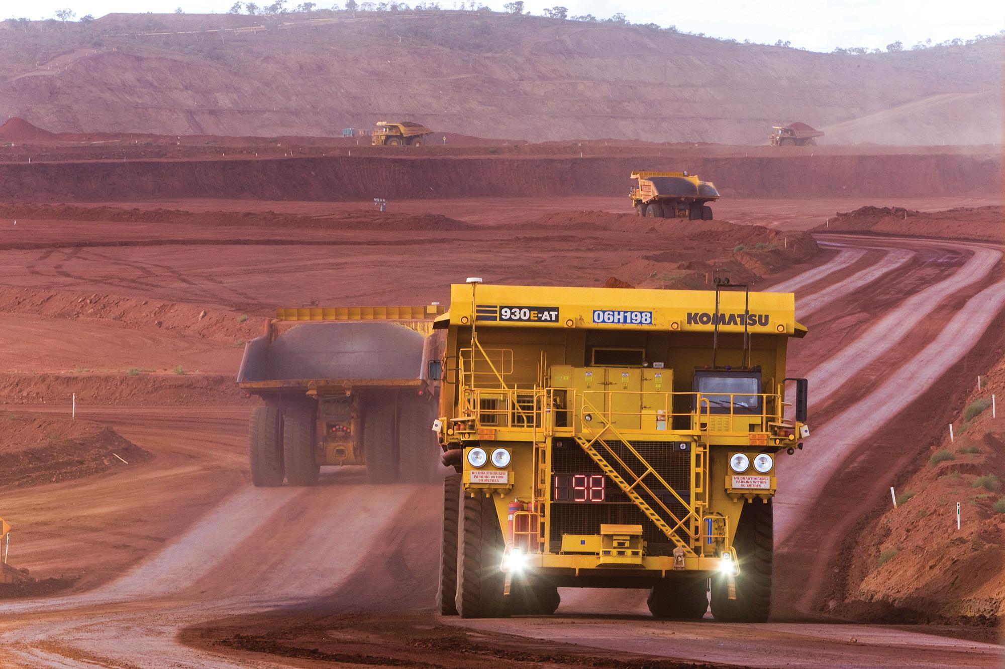 雇用ゼロ社会の前触れ? コマツの無人ダンプで 鉱山運用コスト15%削減