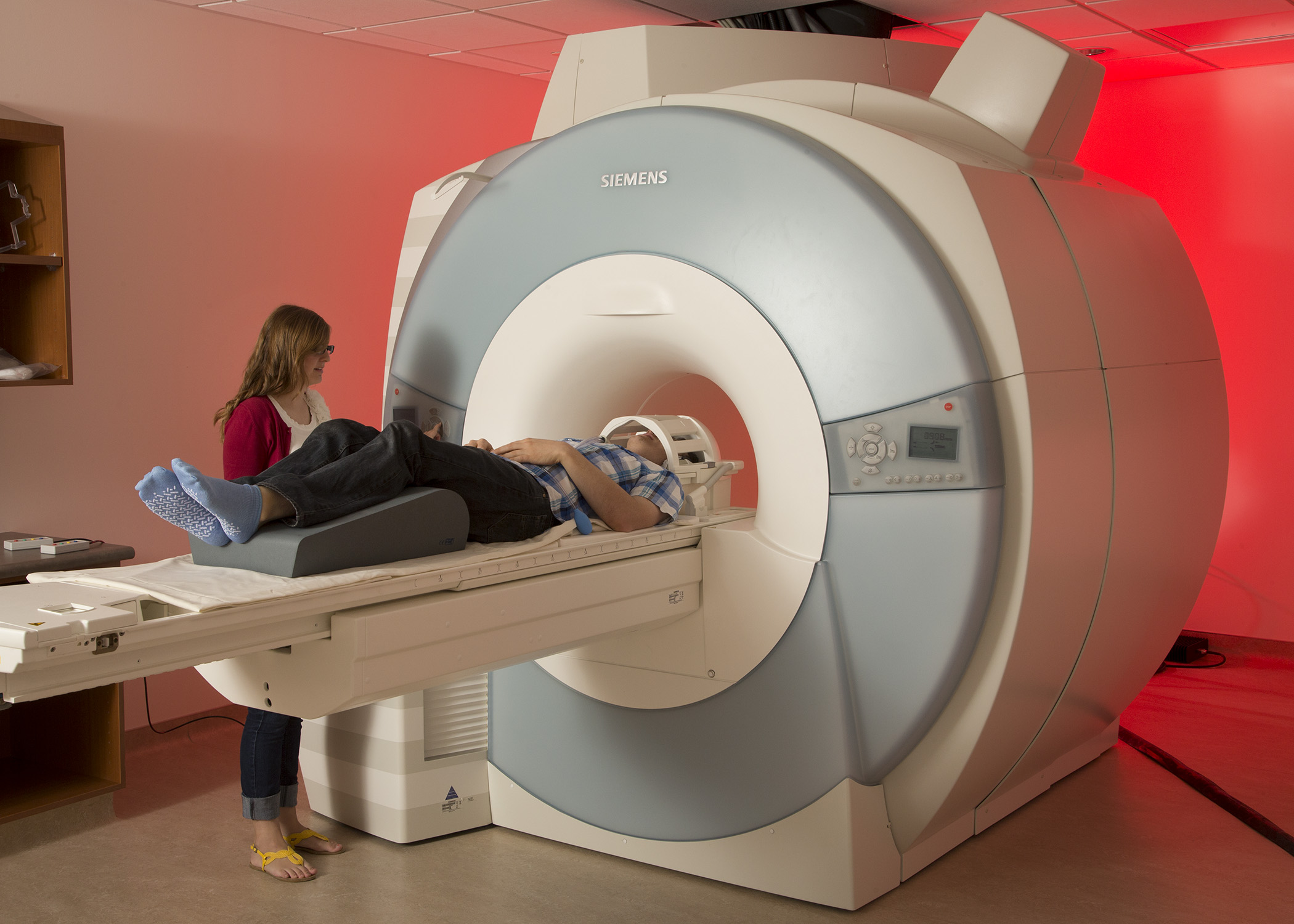 MRI brain scans reveal the way we perceive, or simply ignore, security warnings.