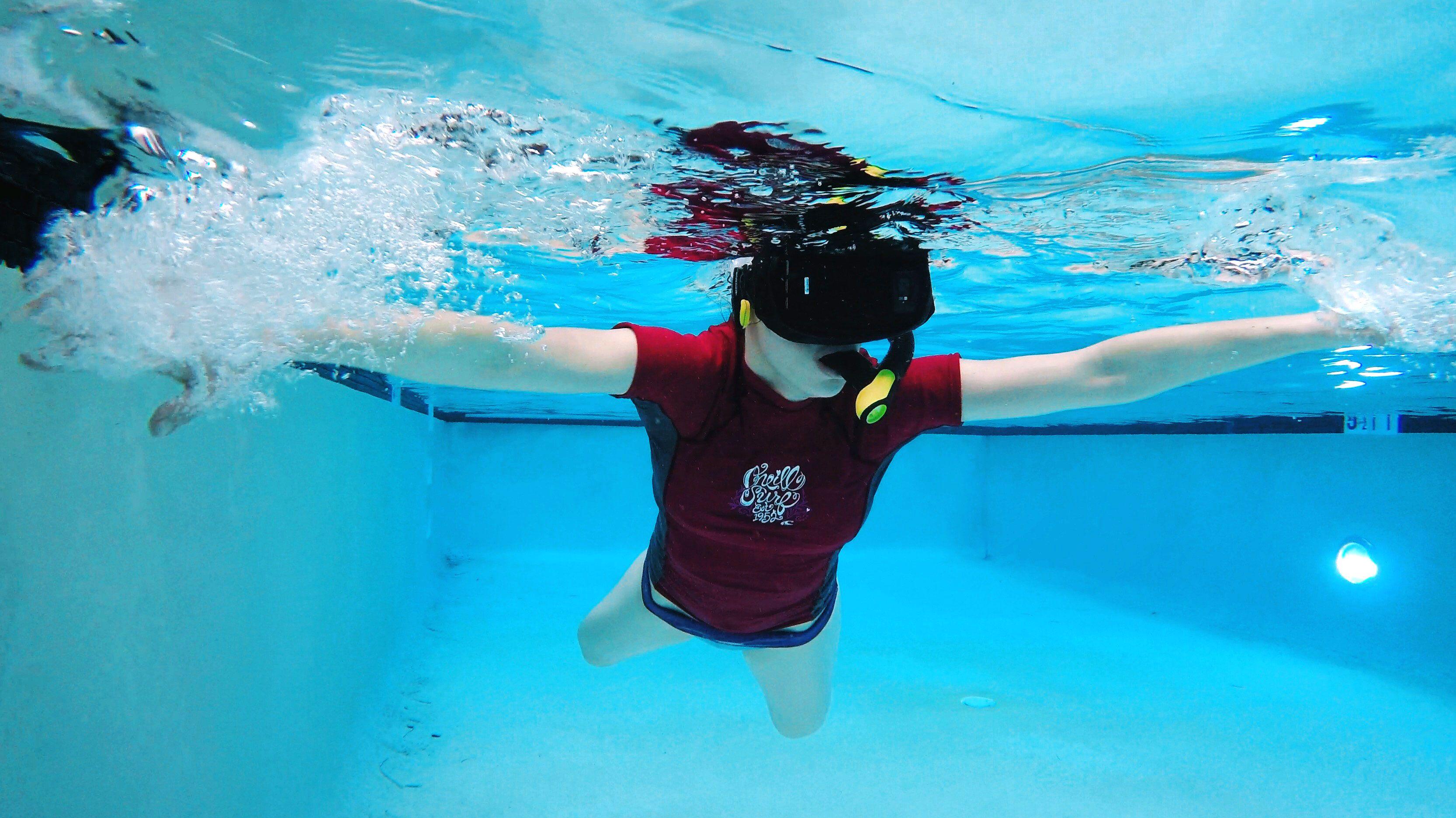 水中のVR体験は 意外に楽しい☺☺☺