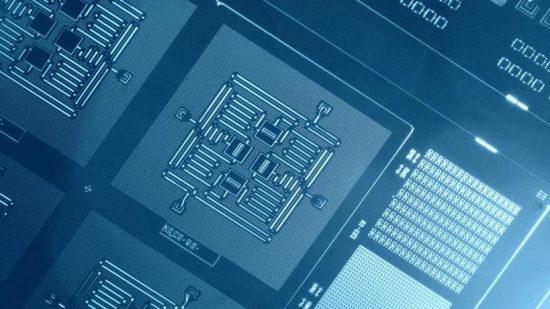 異なる方式の量子コンピューター同士で初の性能比較