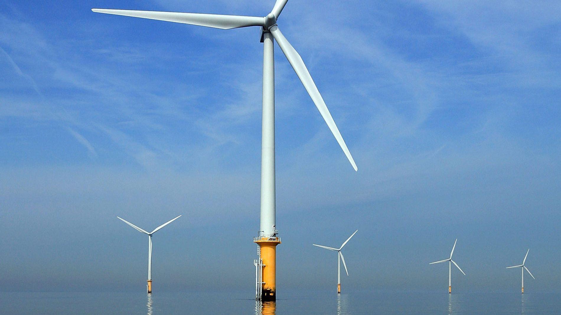 洋上風力発電嫌いのトランプ政権、雇用者増で推進に方針転換?