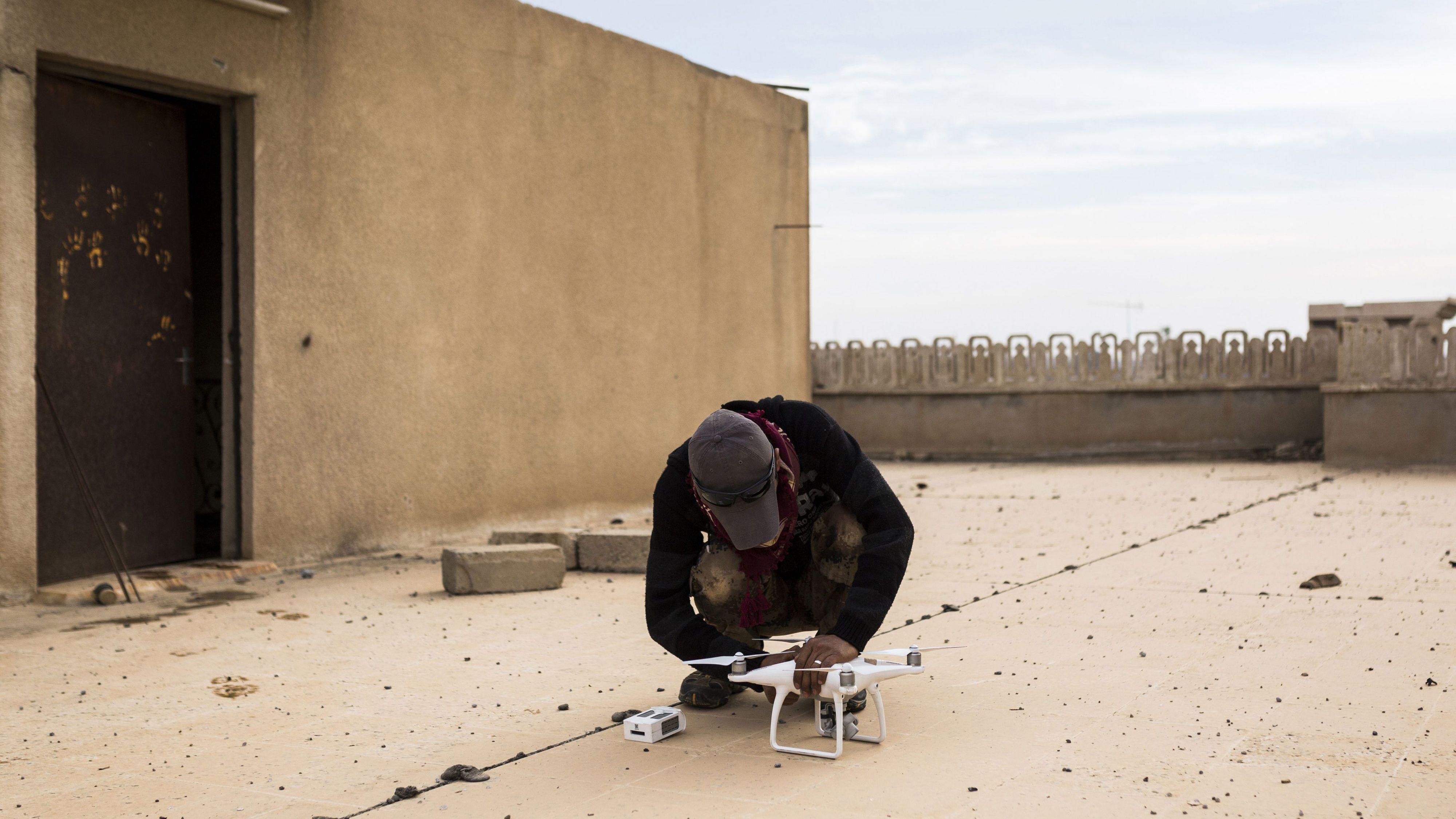 ドローン最大手DJI、イスラム国活動地域を飛行禁止に設定