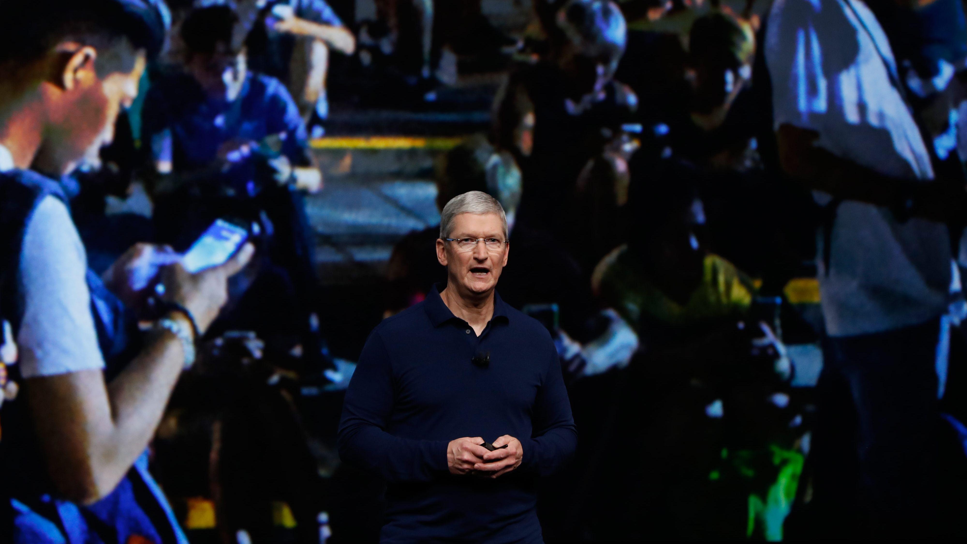 アップルの10億ドル基金はトランプの「製造業復活」に応えるか?