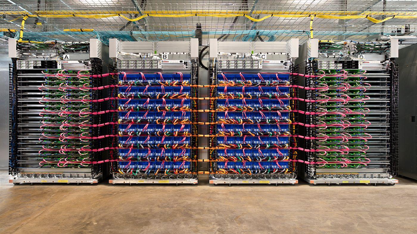グーグル、高性能な新型AIチップとスーパーコンピューターを発表