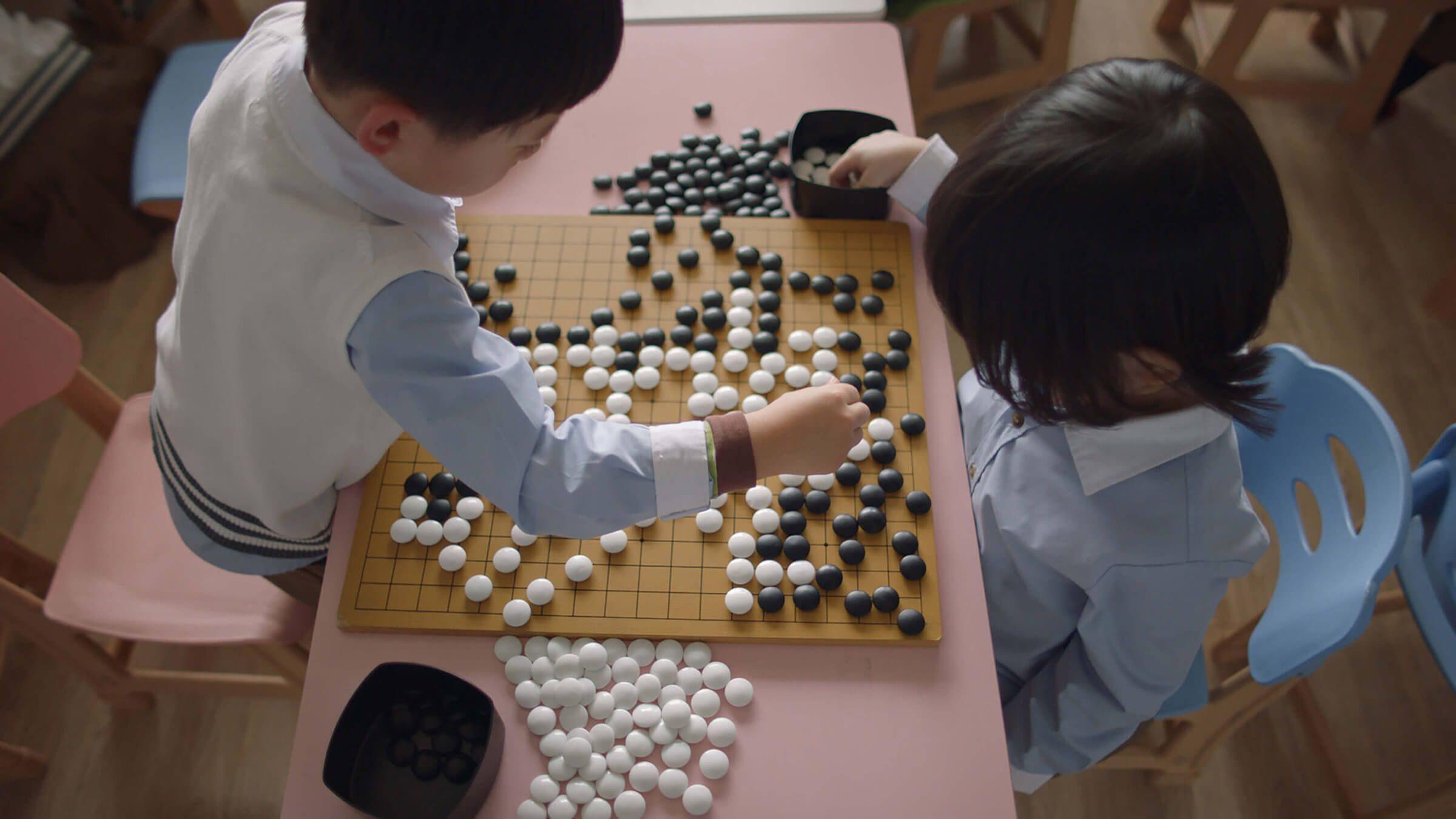 「アルファ碁ゼロ」が登場、完全な教師なし学習で世界最強に