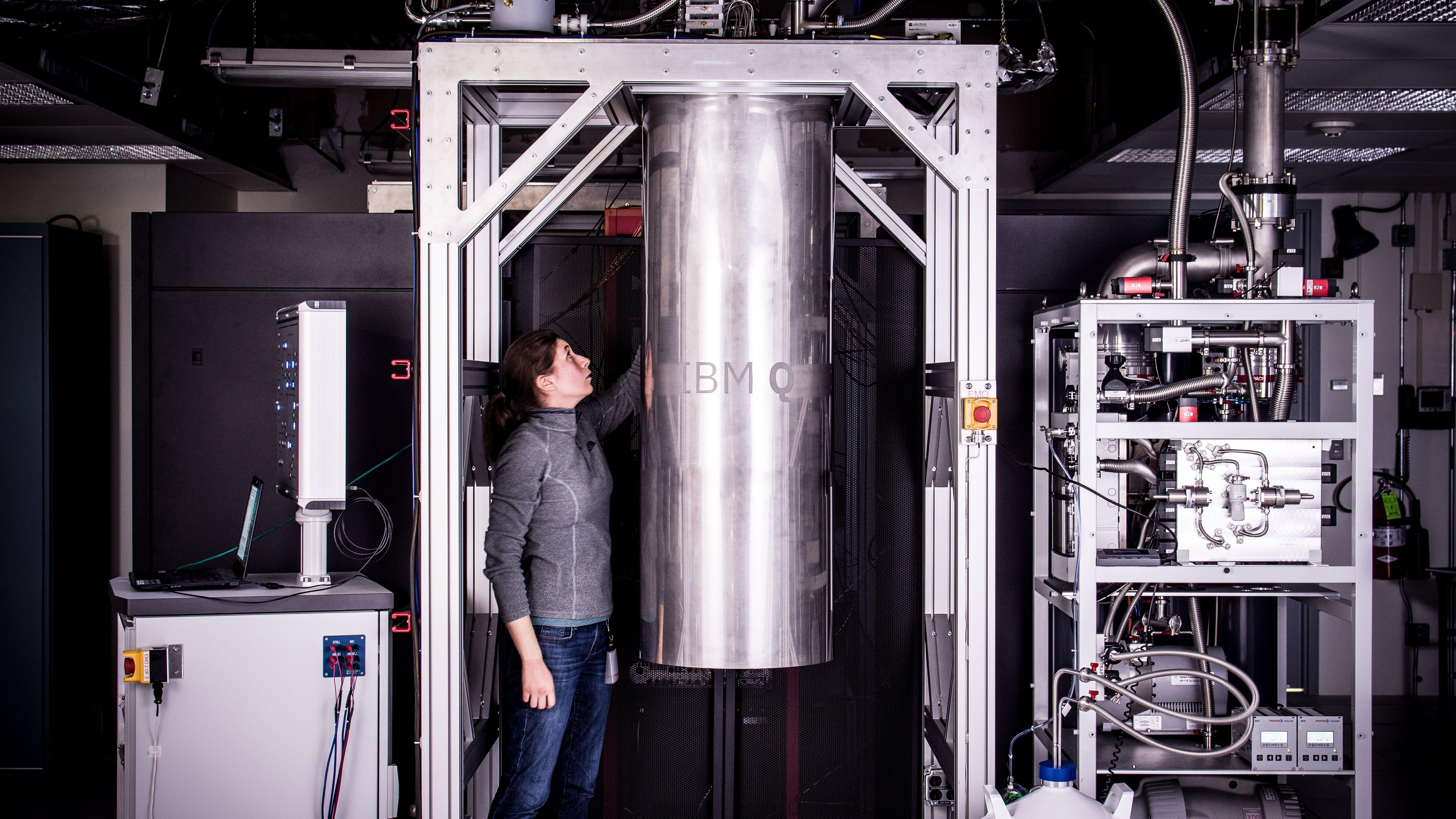 49量子ビットの壁突破へ、 IBMがモデル化に成功