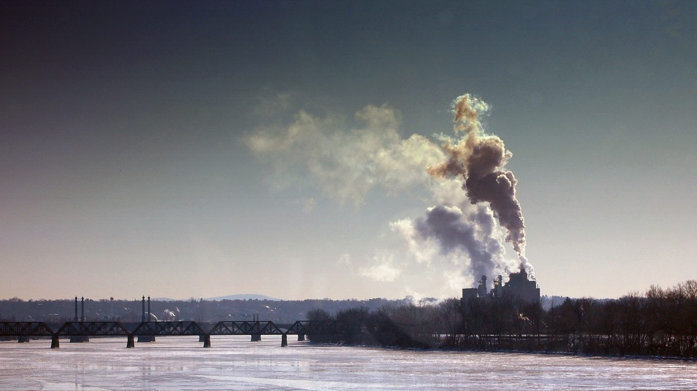 大気中のCO2濃度が過去80万年で最高レベルを記録