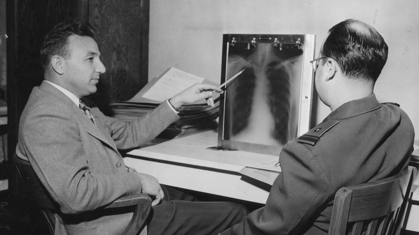 深層学習アルゴリズムは医師よりも優秀、肺炎のX線画像診断で