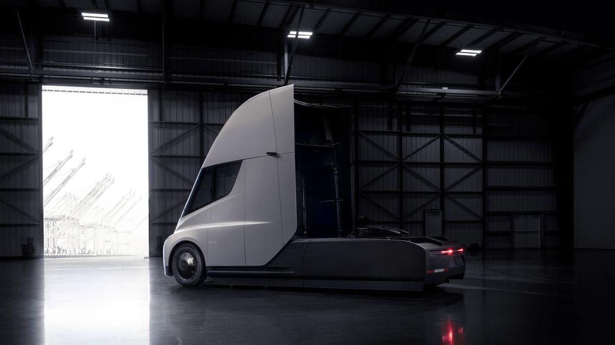 テスラの電気トラックはなぜ160万キロ走行可能? 業界筋の予想
