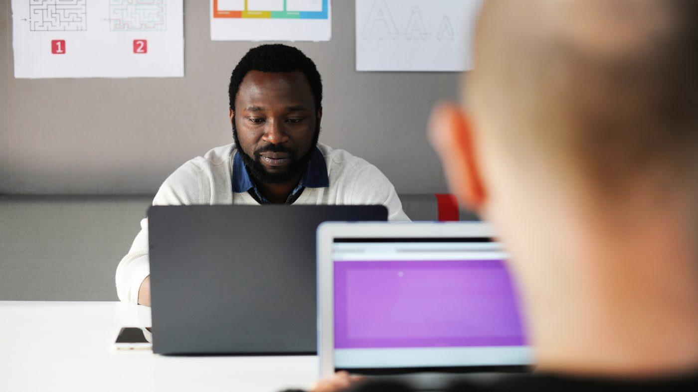 プログラミング学校で相次ぐ閉校、ニューヨークが質向上へ新指針