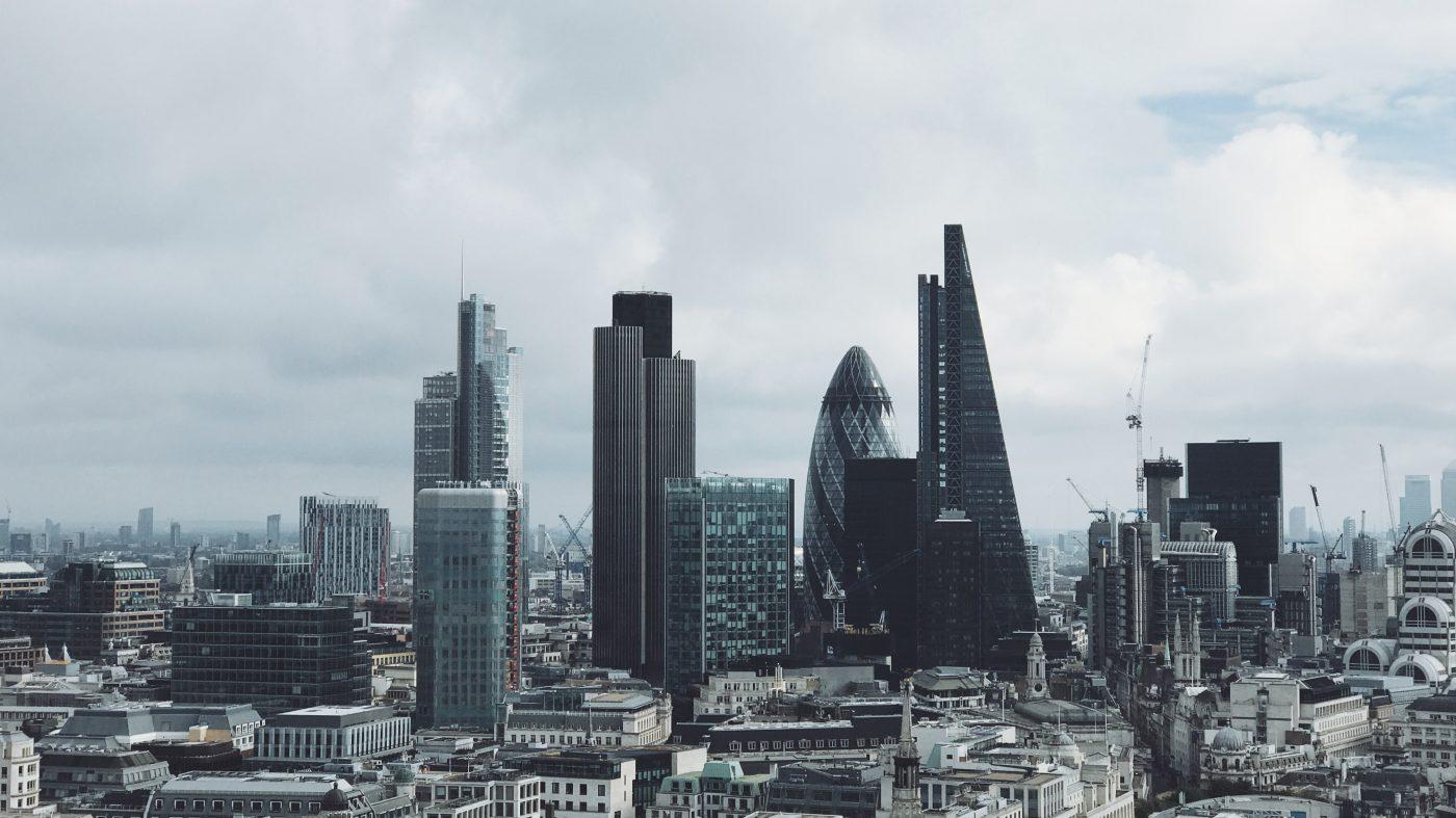 欧州で止まらないテック業界の人材流出、つなぎとめに躍起