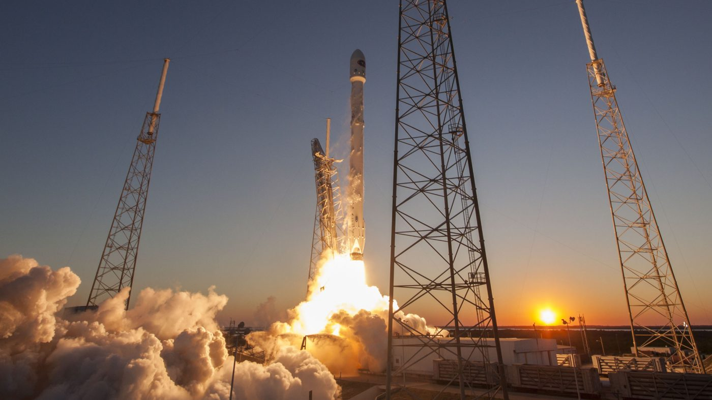 NASA、スペースXとボーイングのロケットに安全性の懸念を表明