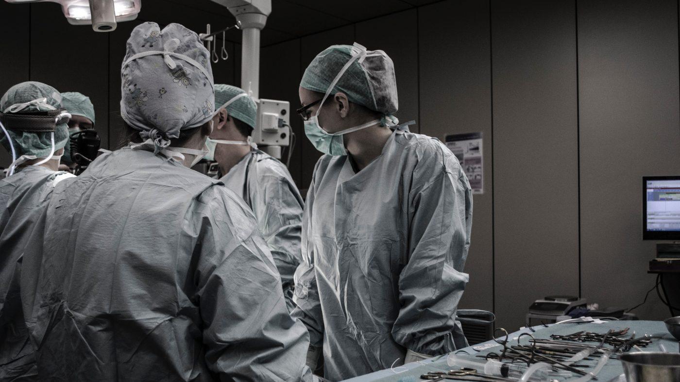 ストリーミング外科医、今度は手術室にVR/ARを持ち込む