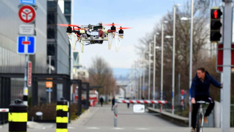 自律自動車から交通ルールを学ぶ、AI搭載ドローンの新アイデア