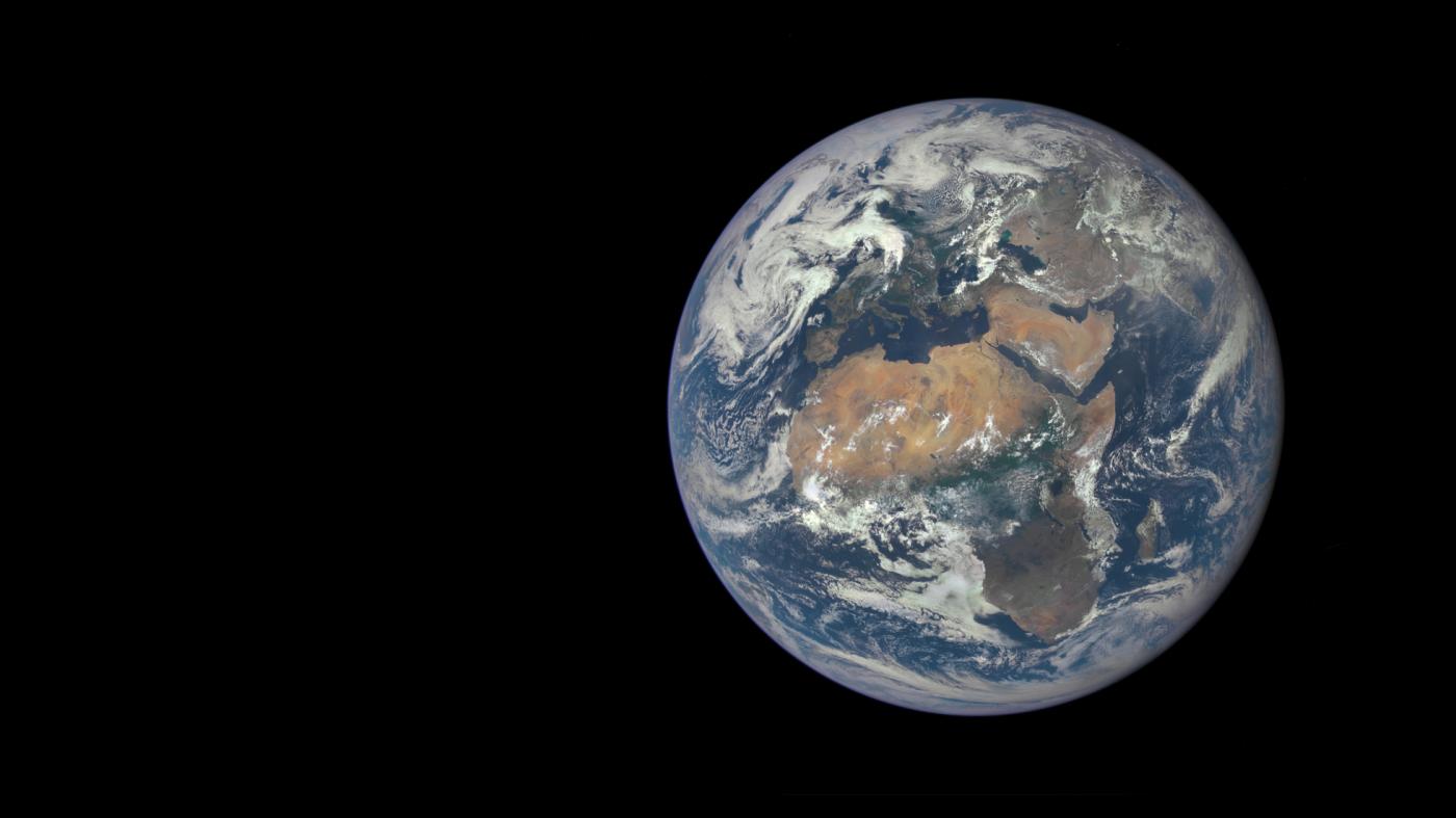 南極オゾンホール縮小の一方で、赤道付近でオゾン濃度低下か