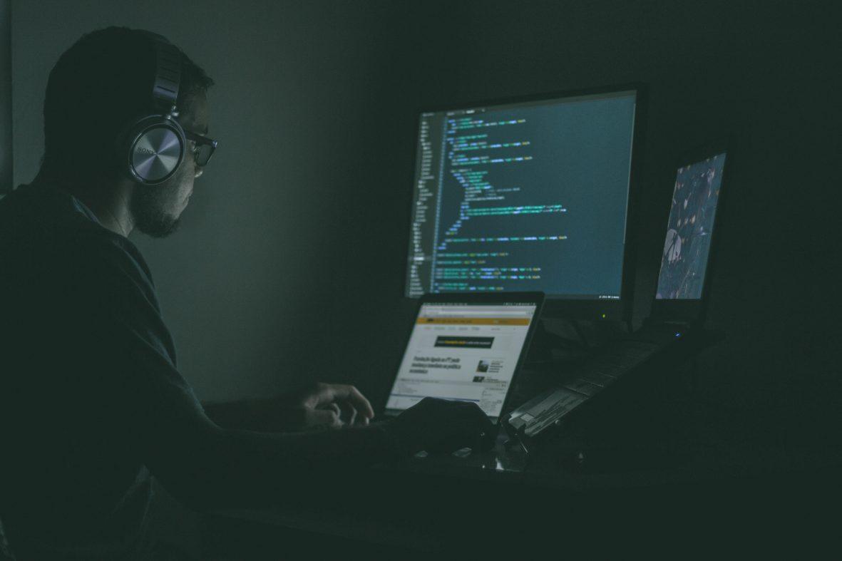 ホワイト・ハッカーへの依頼で安くなるサイバー保険が登場