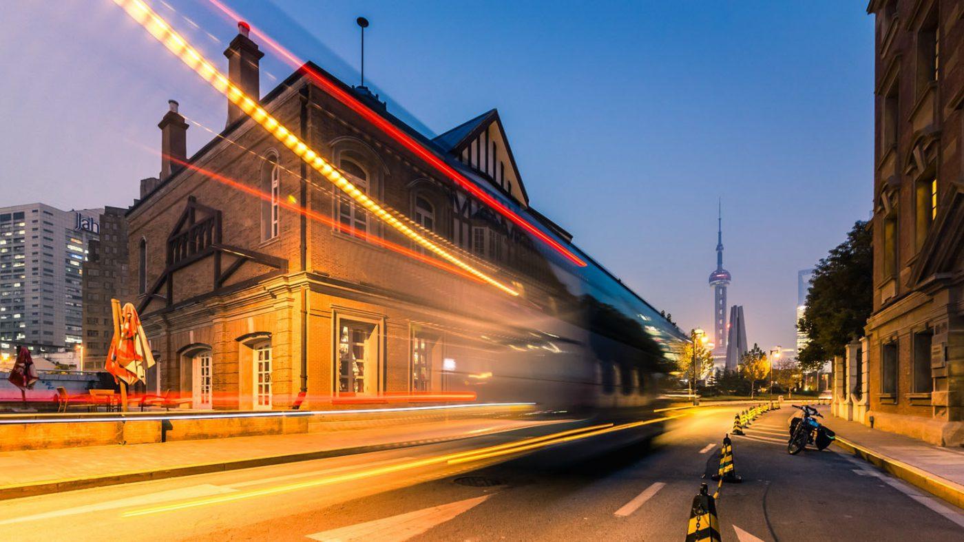 中国、自動運転車向けチップ開発急ぐ 50憶ドル市場に照準