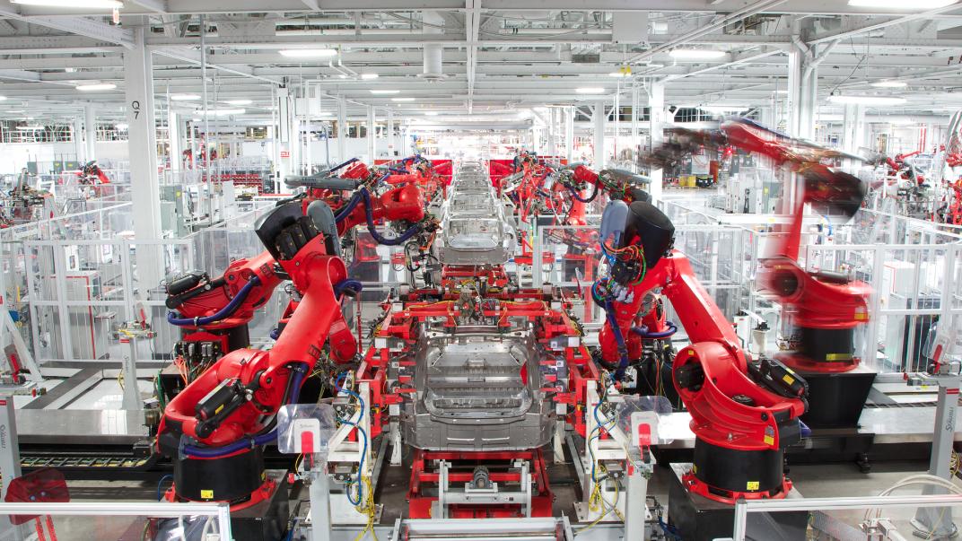 労災隠しが横行か? テスラ元従業員らが証言した 「未来の工場」の驚きの実態