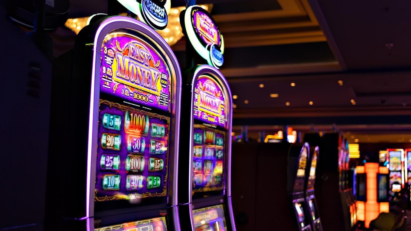 「ロボットから仕事を守れ」、ラスベガスのカジノで大規模ストへ