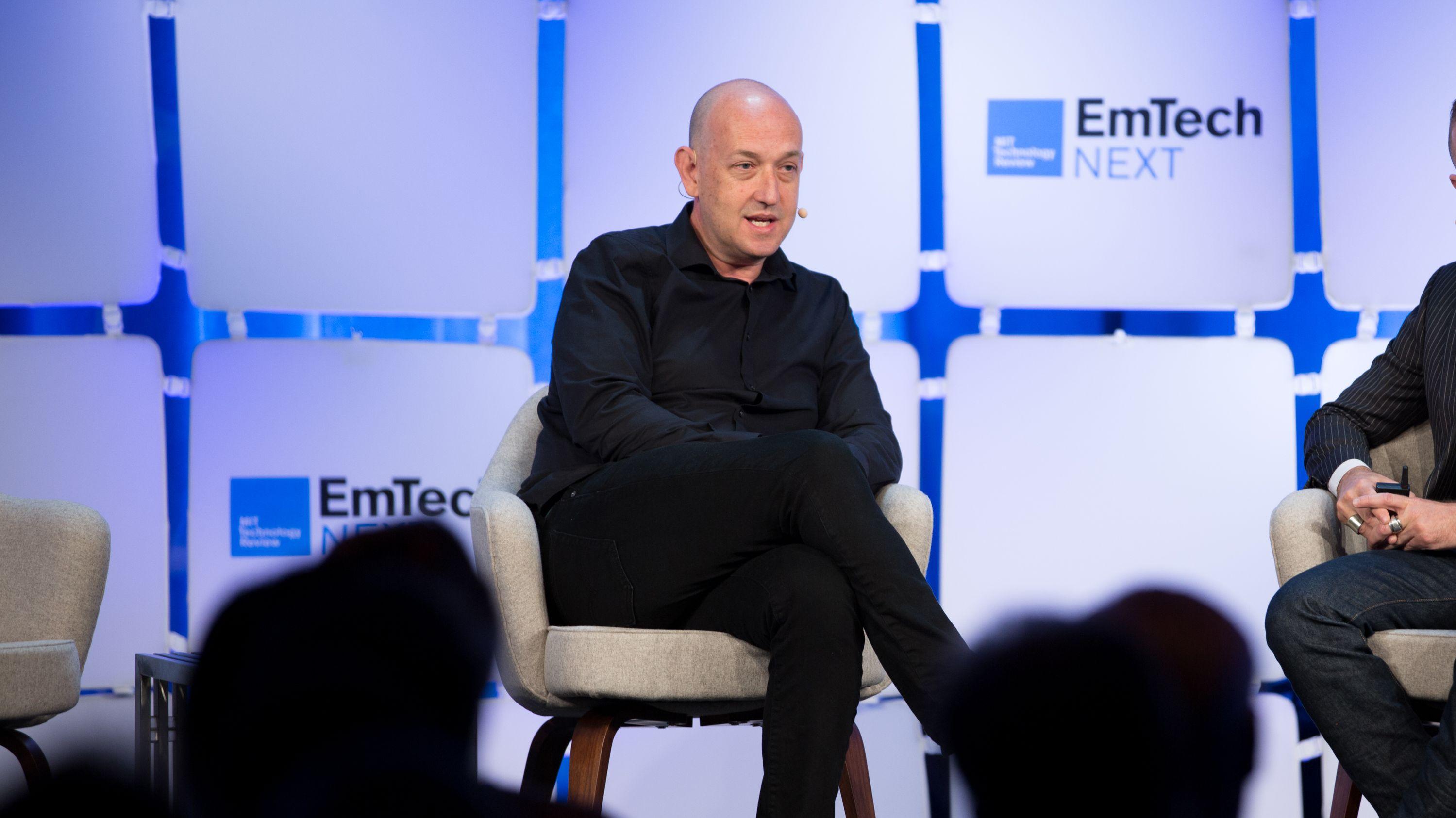 MIT Tech Review: アマゾンの自動倉庫には人間が必要——主任技術者が語る