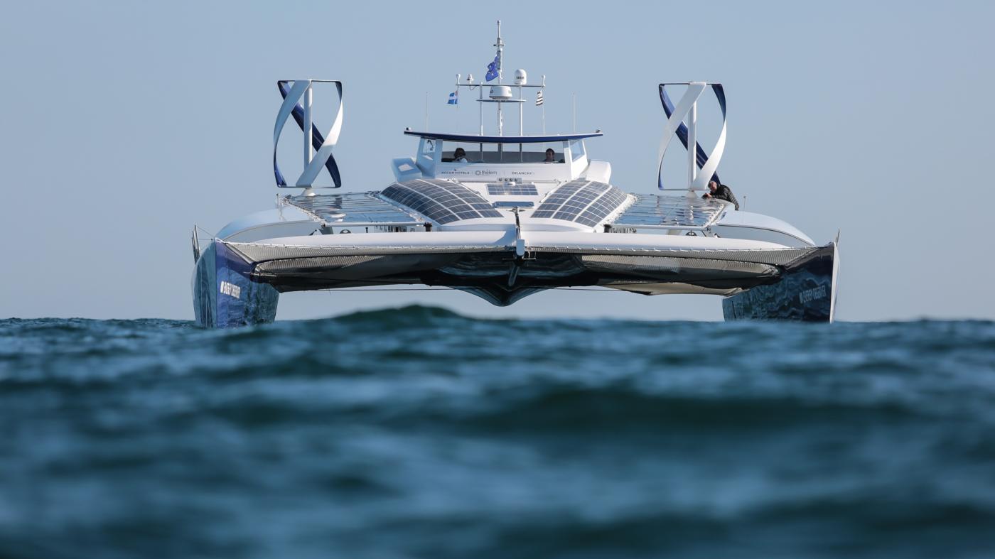 水素燃料の可能性を証明、トヨタが支援する「自給自足船」