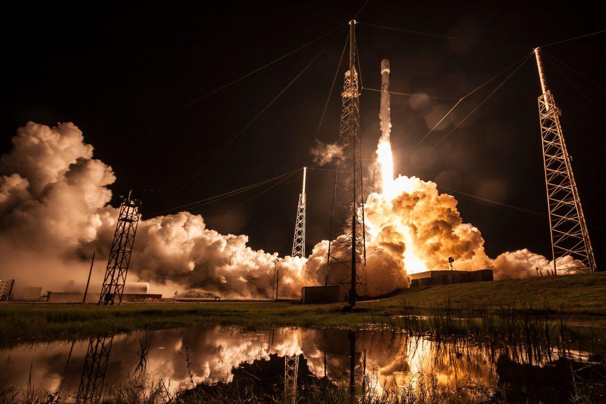 スペースX「ブロック5」の打ち上げ・着陸に成功、有人飛行へ前進