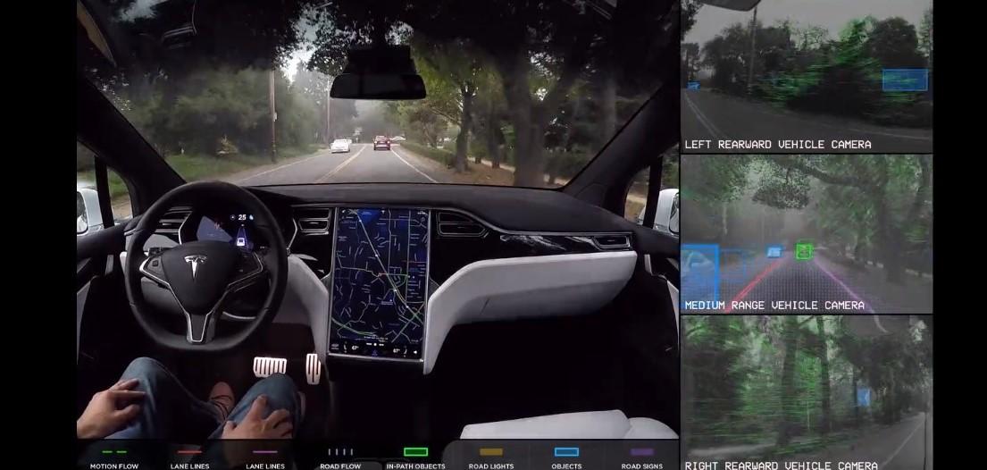 テスラ、自動運転向けに独自のAIチップを開発中