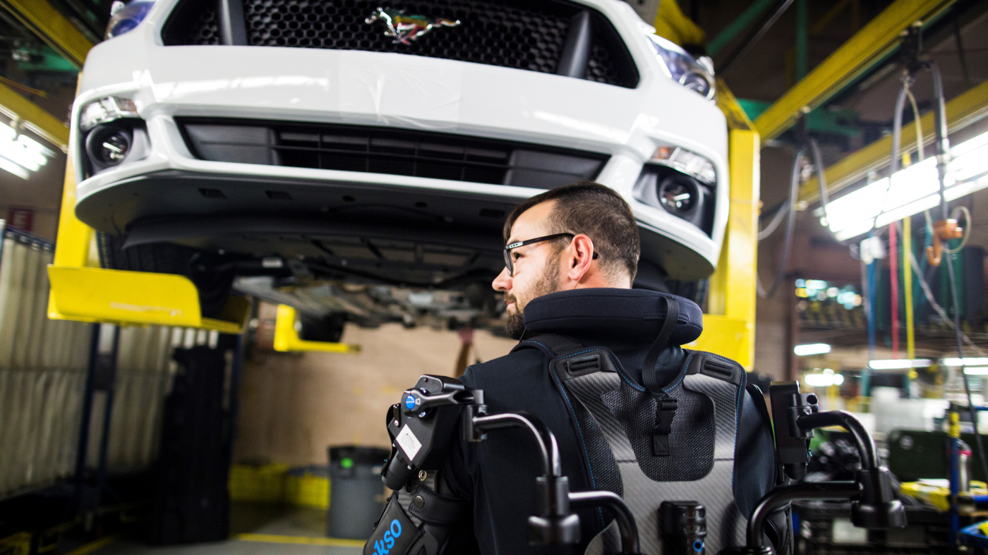 フォード、世界15工場にパワード・スーツを配備