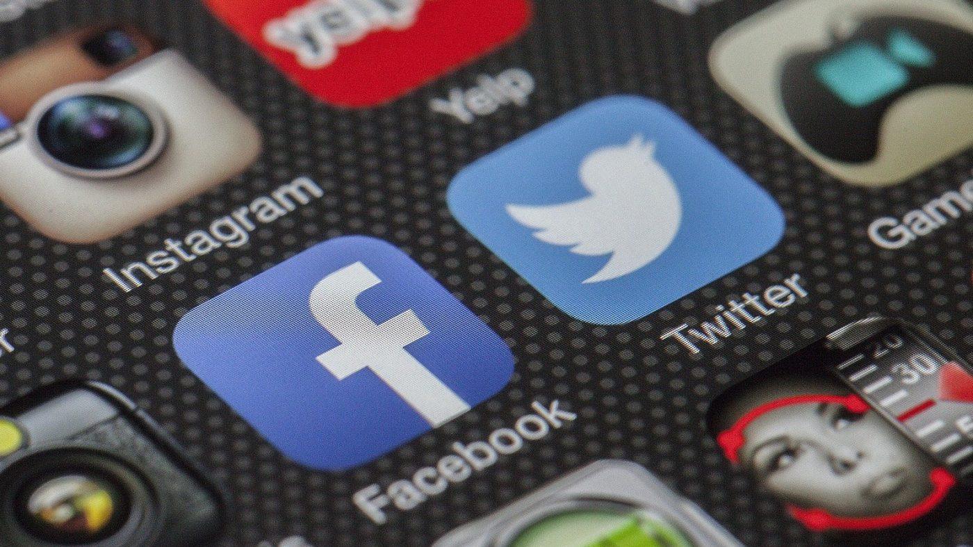 イランがデマ工作の震源地に、フェイスブックとツイッターが対策