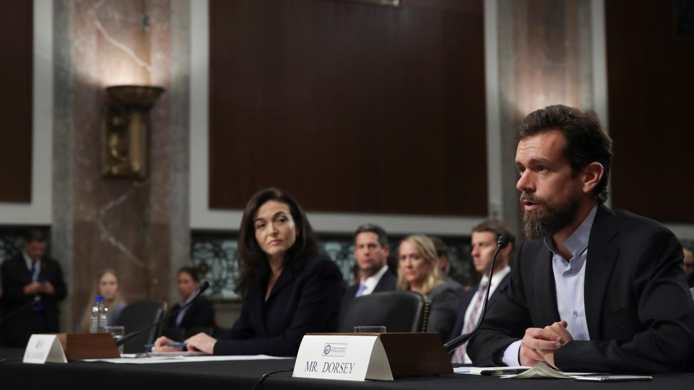 フェイスブックとツイッター幹部が米議会で証言、グーグルは欠席