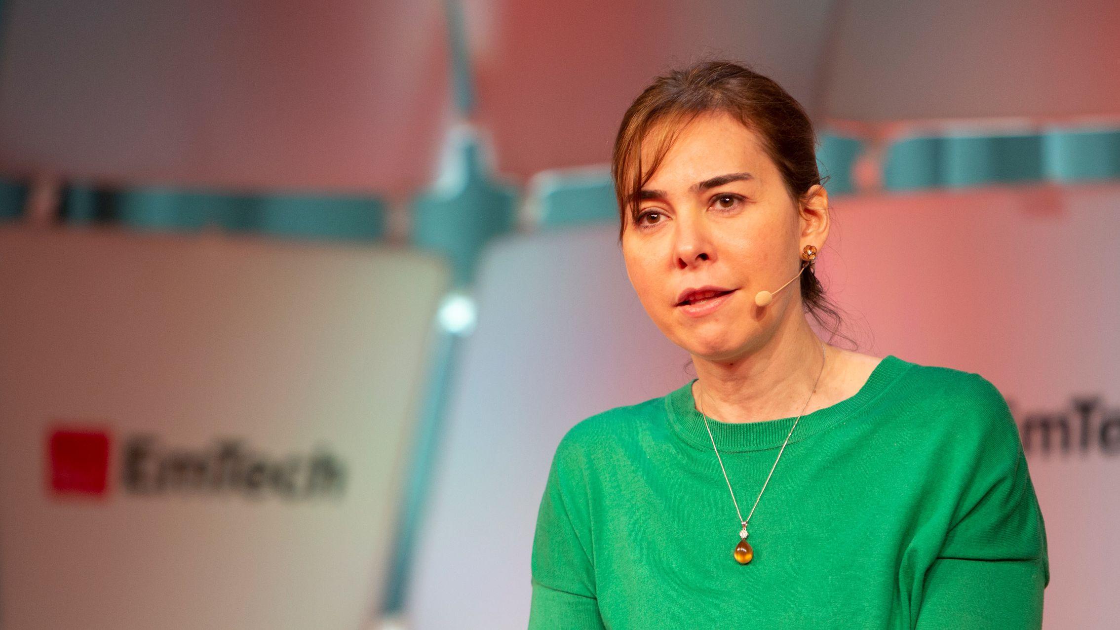 健康状態を「壁越し」でも追跡できる新装置、MIT教授が開発