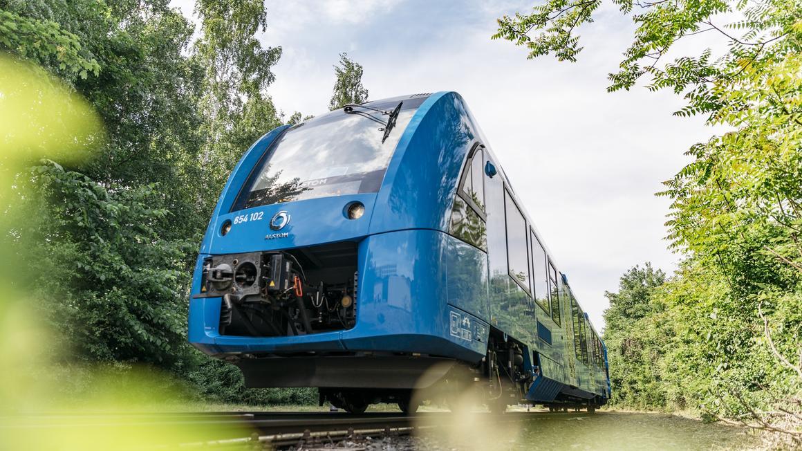 世界初、燃料電池で走る「水素電車」がドイツでデビュー