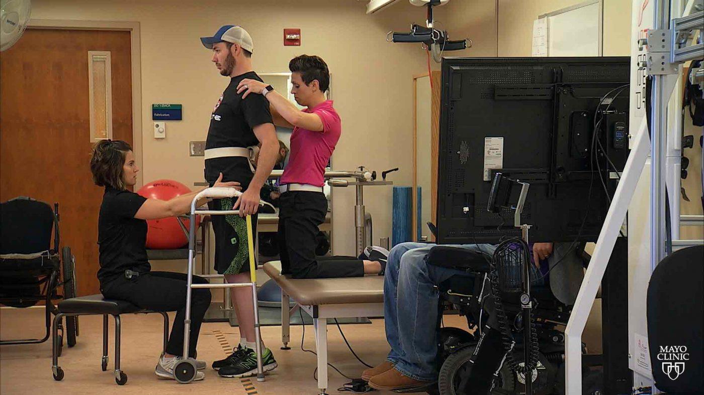 電気インプラントで歩行機能を回復、米メイヨー・クリニック