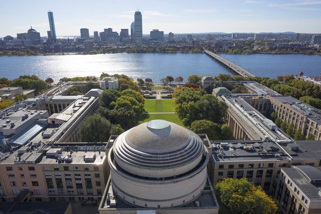 MITがAI教育に10億ドル投資、新カレッジを来秋開設へ