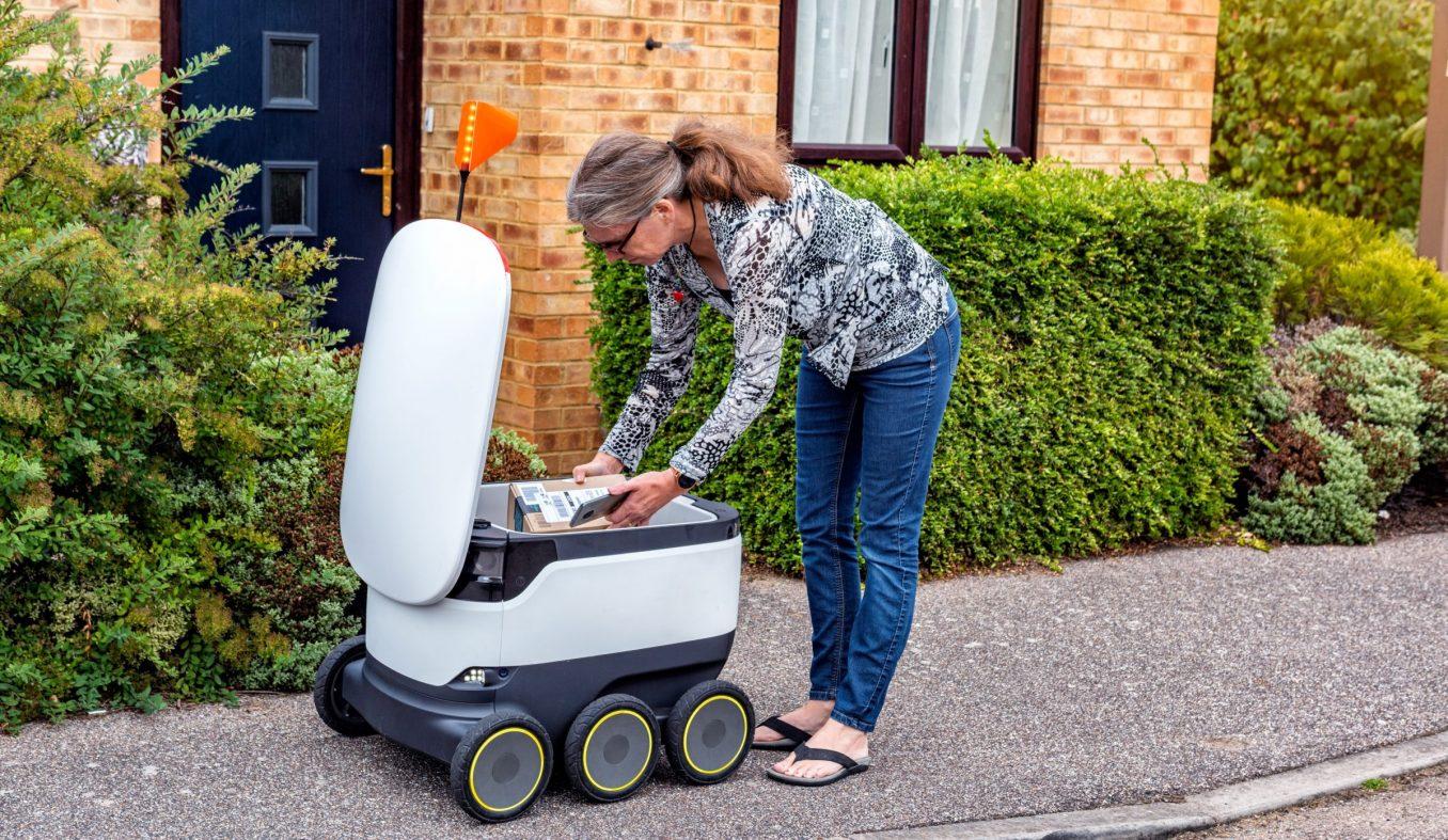自律ロボットによる月額制宅配サービス、英国で始まる