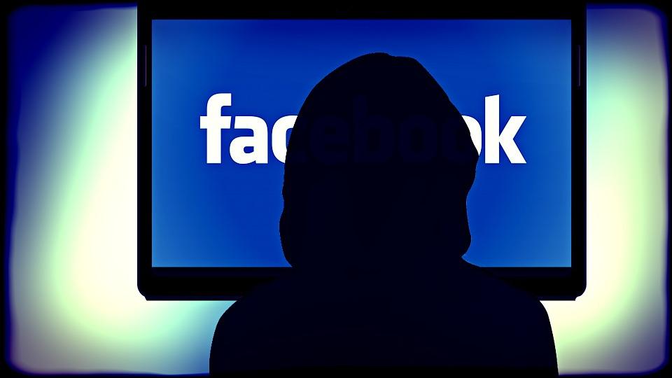 フェイスブックが対テロ対策を強化、機械学習で99%排除