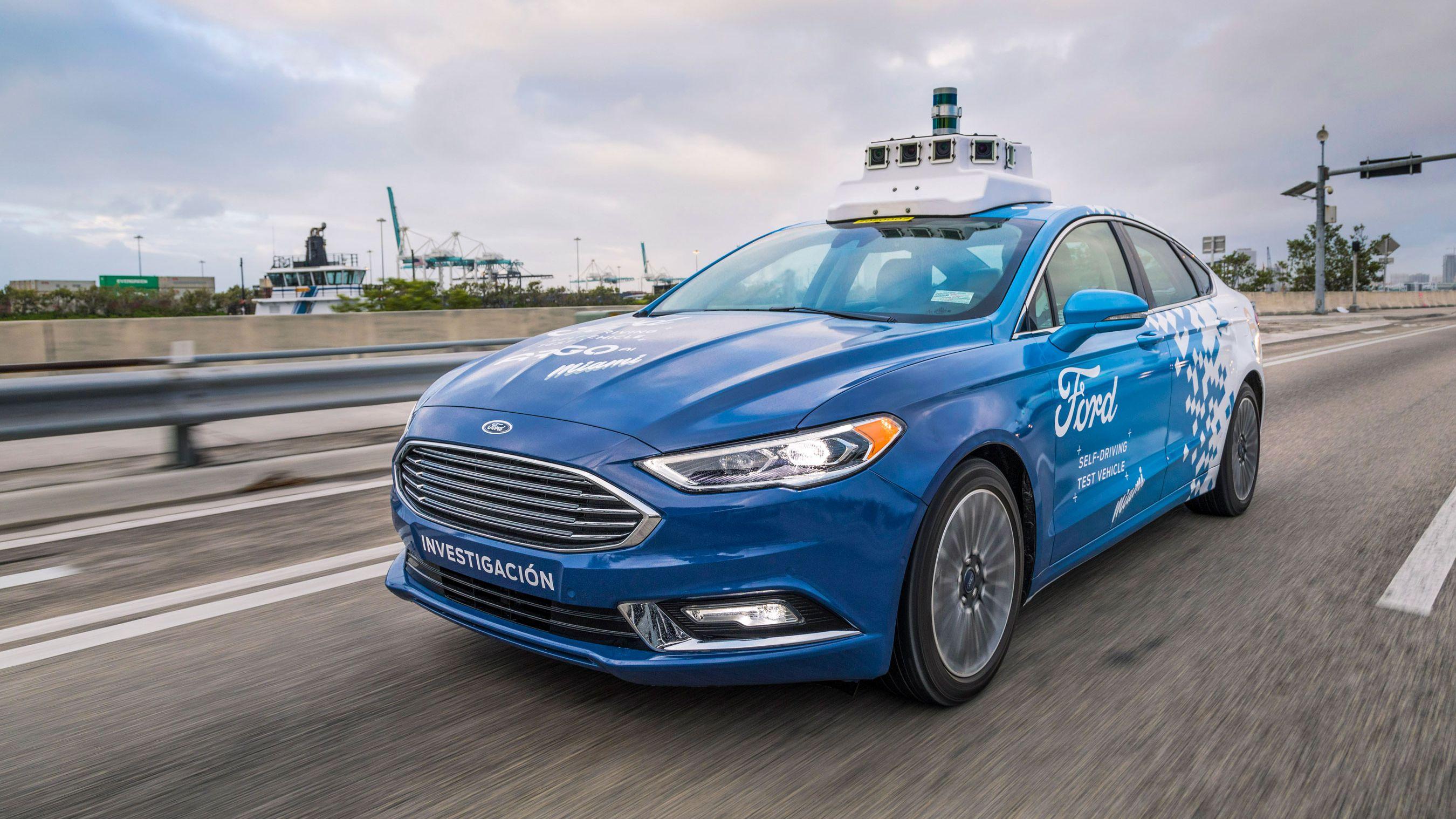 21年に「半額」タクシー、 自動運転で脱メーカー目指す フォードの野心的計画