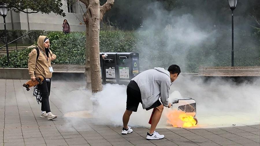 UCバークレー学内で出前ロボットが炎上、学生らが追悼
