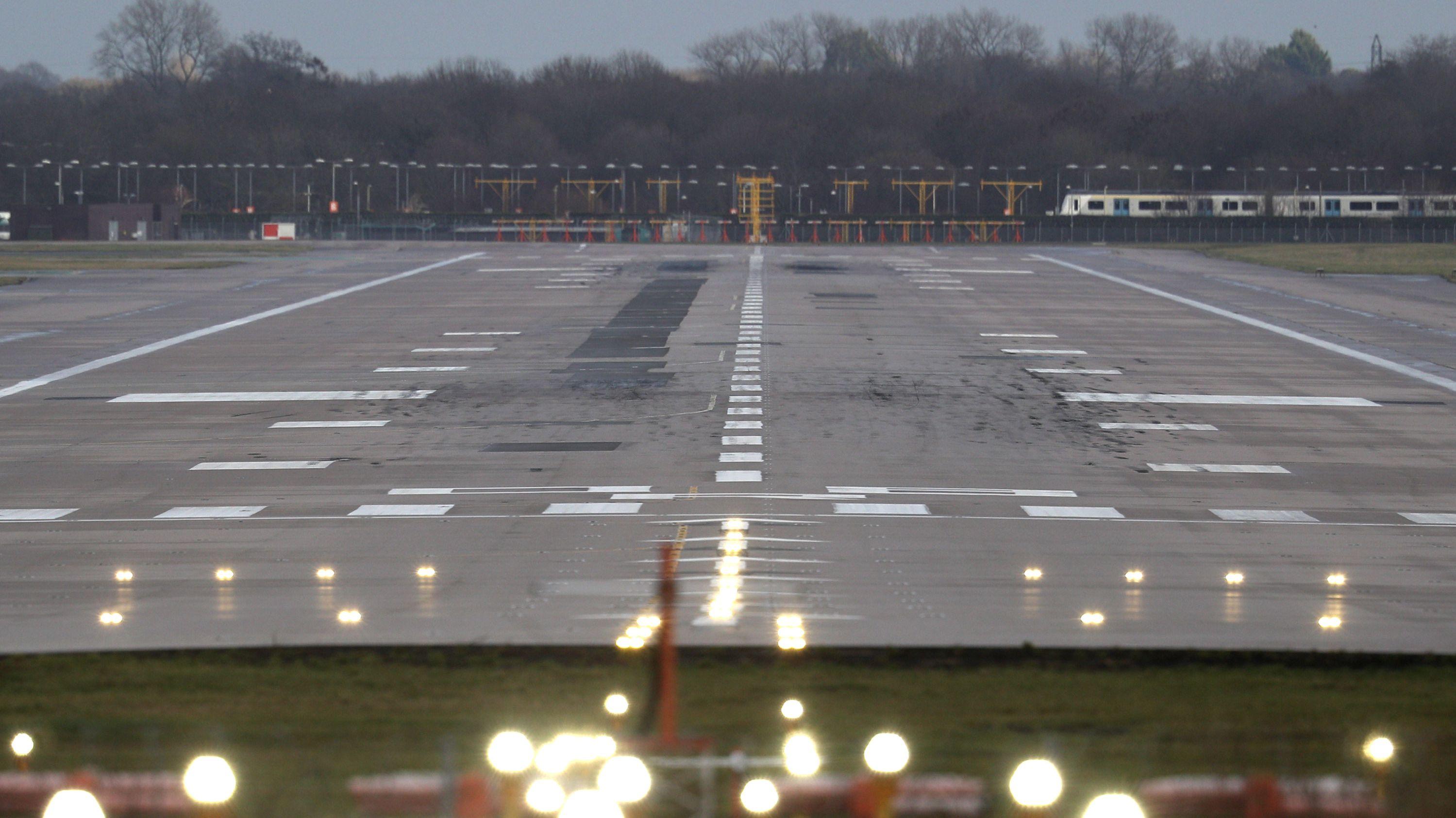 英空港ドローン騒動、航空機の安全を守る方法はあるか?