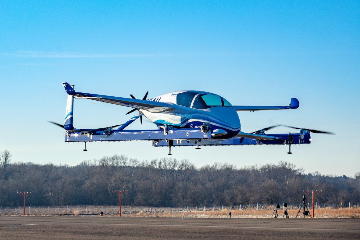 ボーイング、自律型電動飛行機の試験飛行に成功