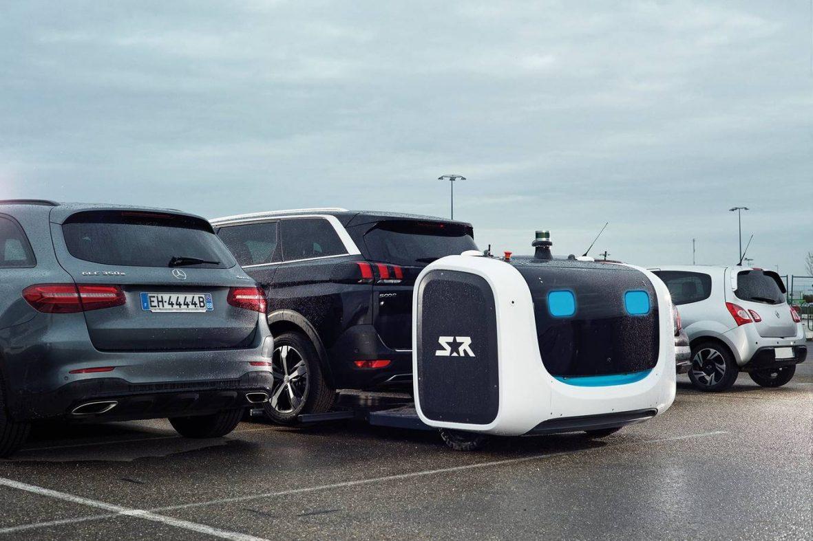 英空港が駐車ロボットを試験導入、収容台数1.2倍に
