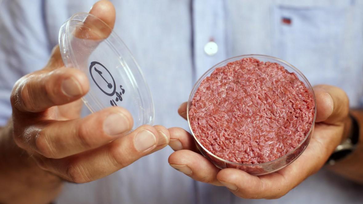 「環境にやさしい」はずの人工培養肉、実は牛肉よりも悪影響か