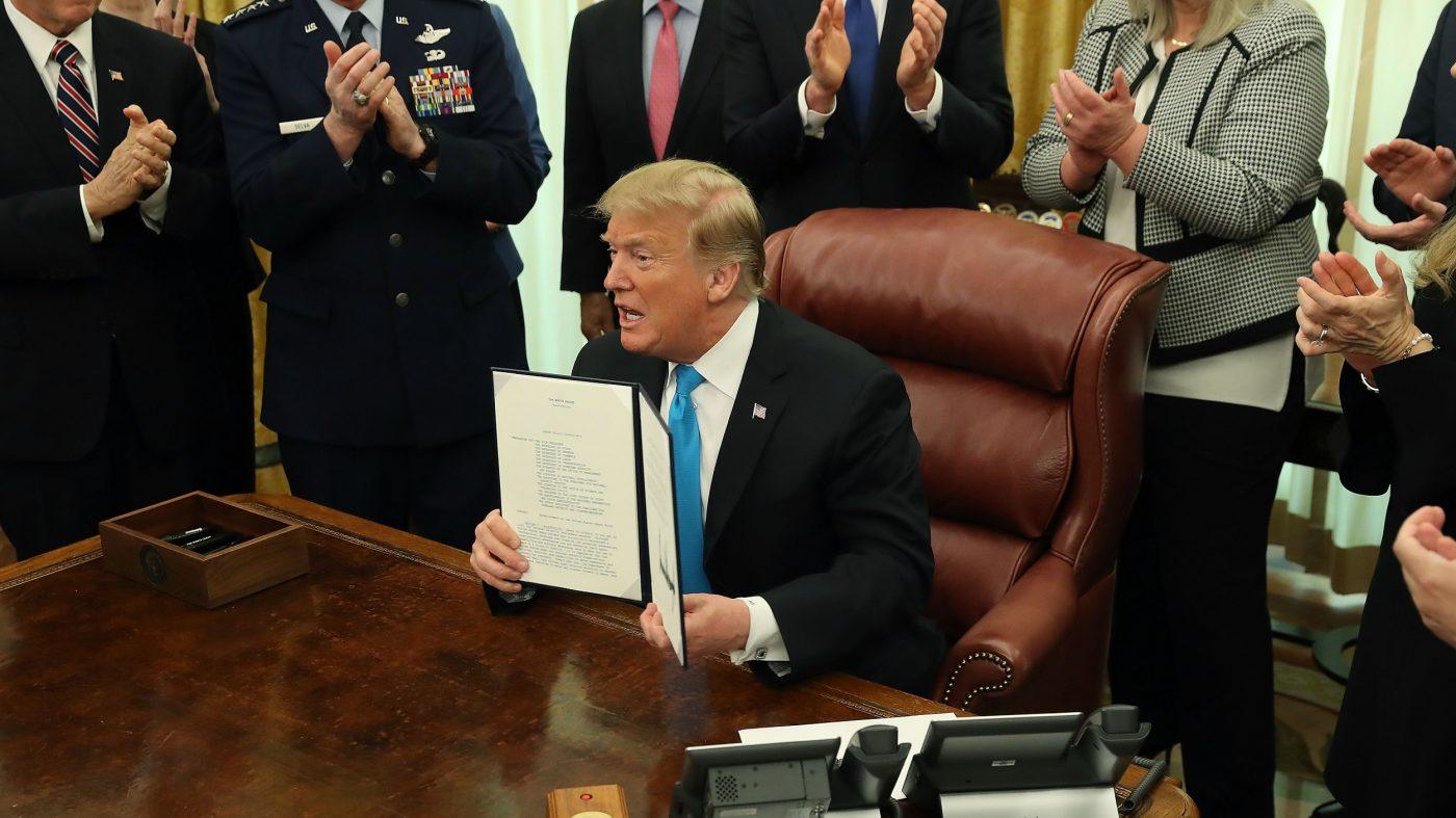 米トランプ大統領、空軍傘下の「宇宙軍」創設を指示