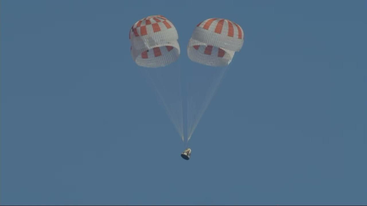 おかえりクルー・ドラゴン、スペースXの有人宇宙船が着水に成功