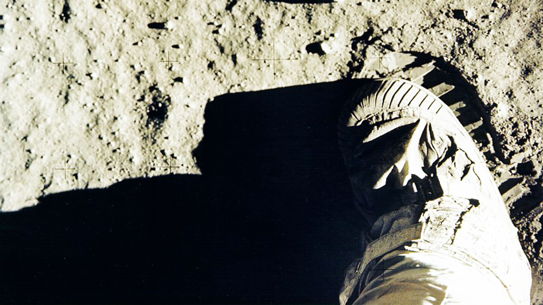 アポロ11乗組員が月に残した人類初の「足跡」、影の立役者の物語