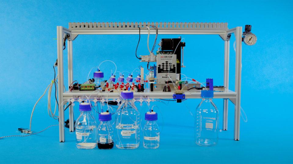 MSとワシントン大学がDNAストレージ商用化へ前進、自動化に成功