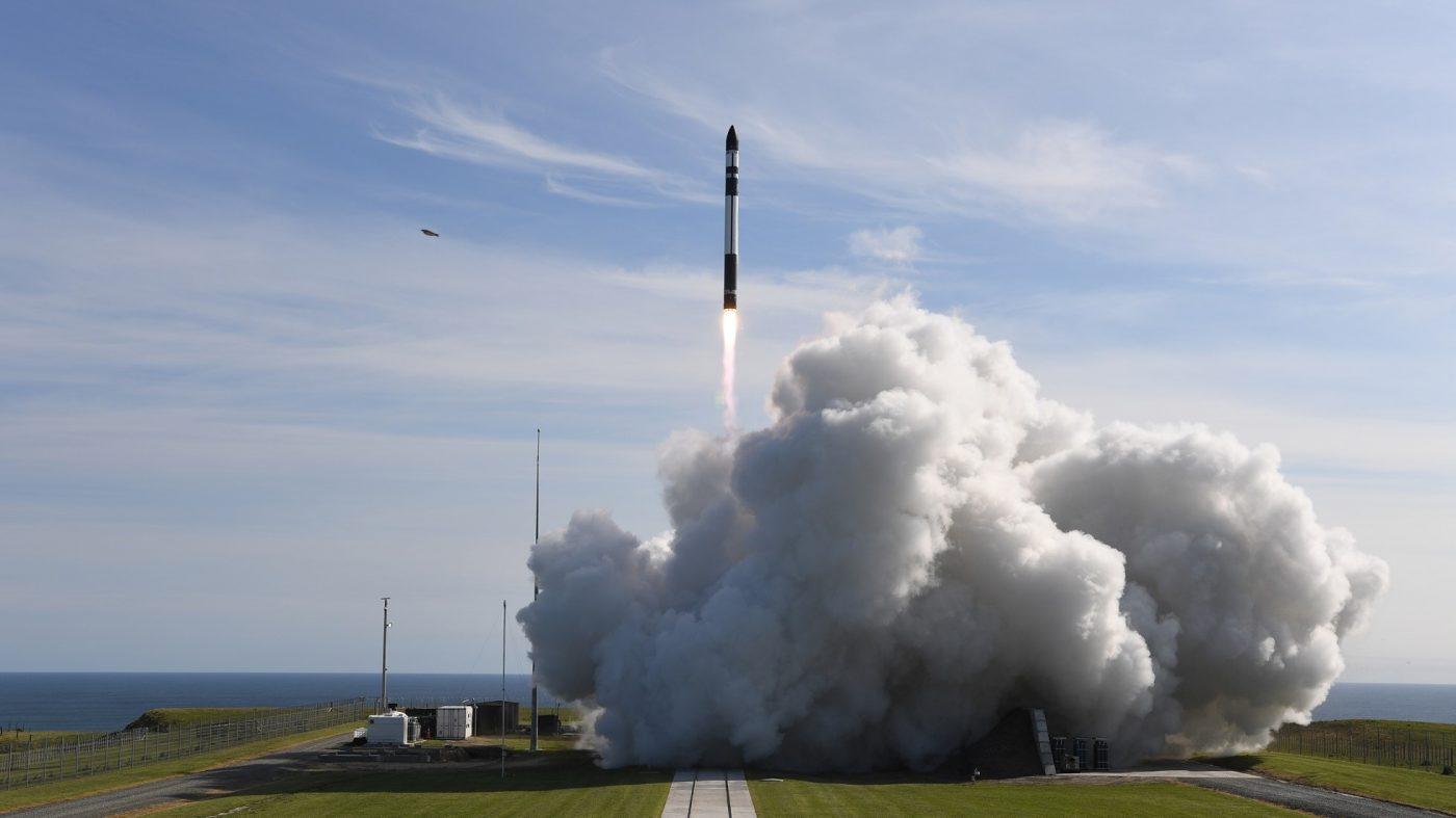 標準化で設計不要に、ロケットラボが小型衛星を販売へ