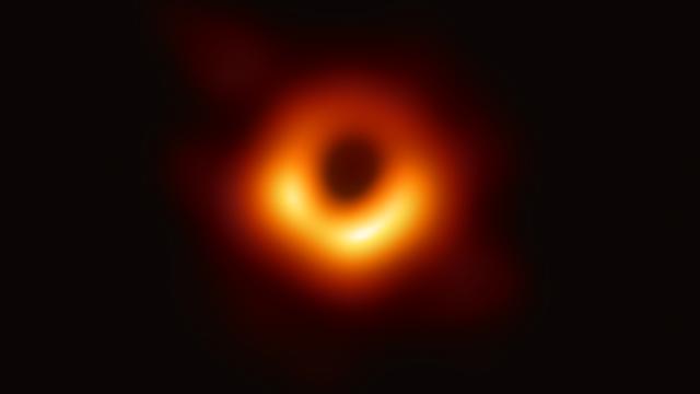 これが「ブラックホール」だ!国際チームが初の撮影に成功